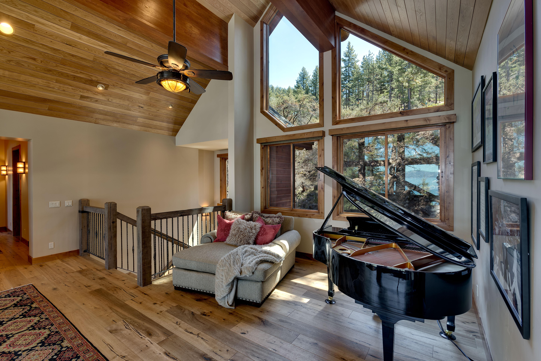Lake Tahoe Custom Lounge