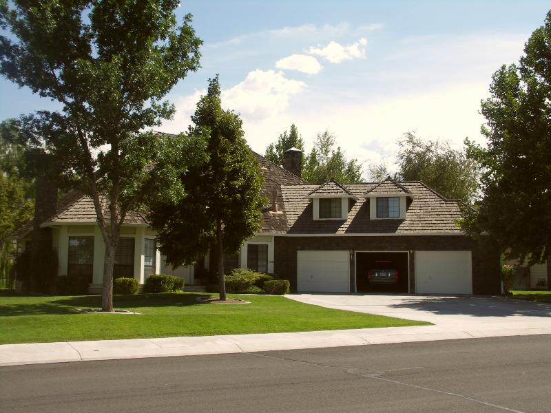 custom-home-Dayton-NV-golfcourse-howebuilt