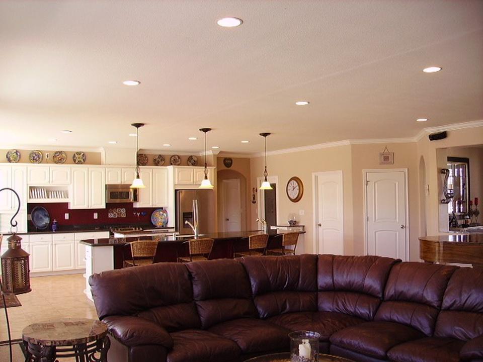 HB-1-2710-Great-room-kitchen