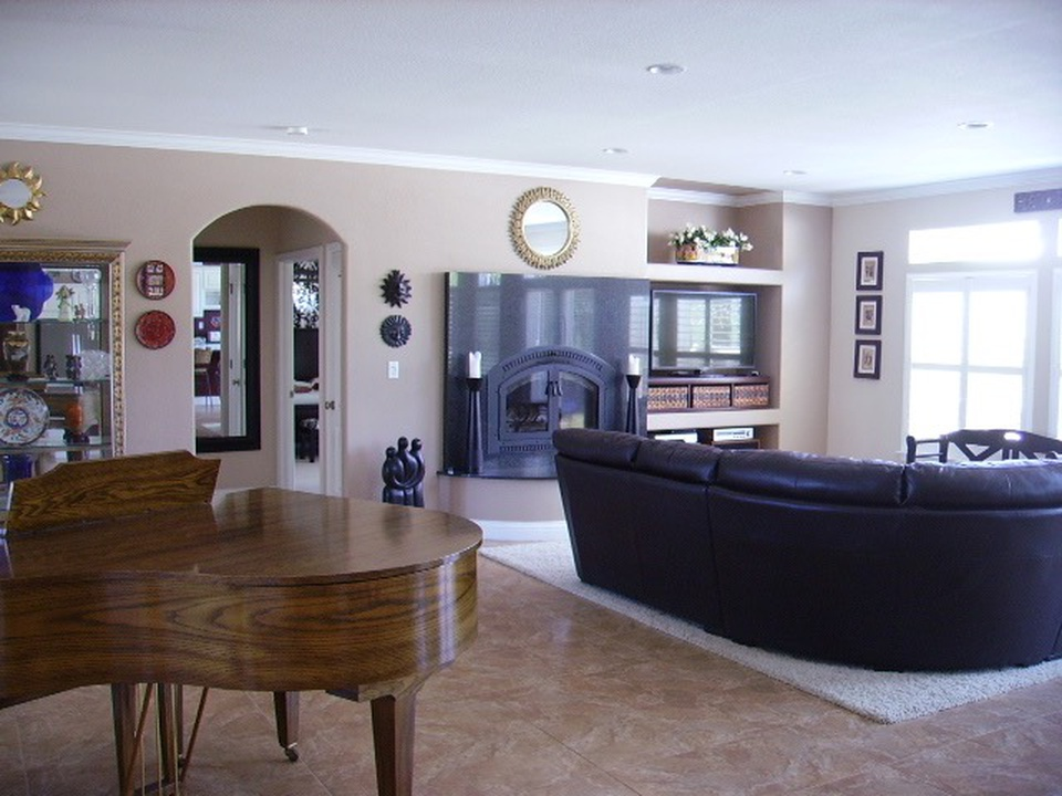 HB-1-2710-great-room